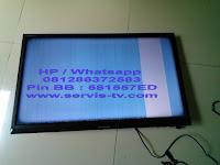 Service LED TV Polytron gambar bergaris