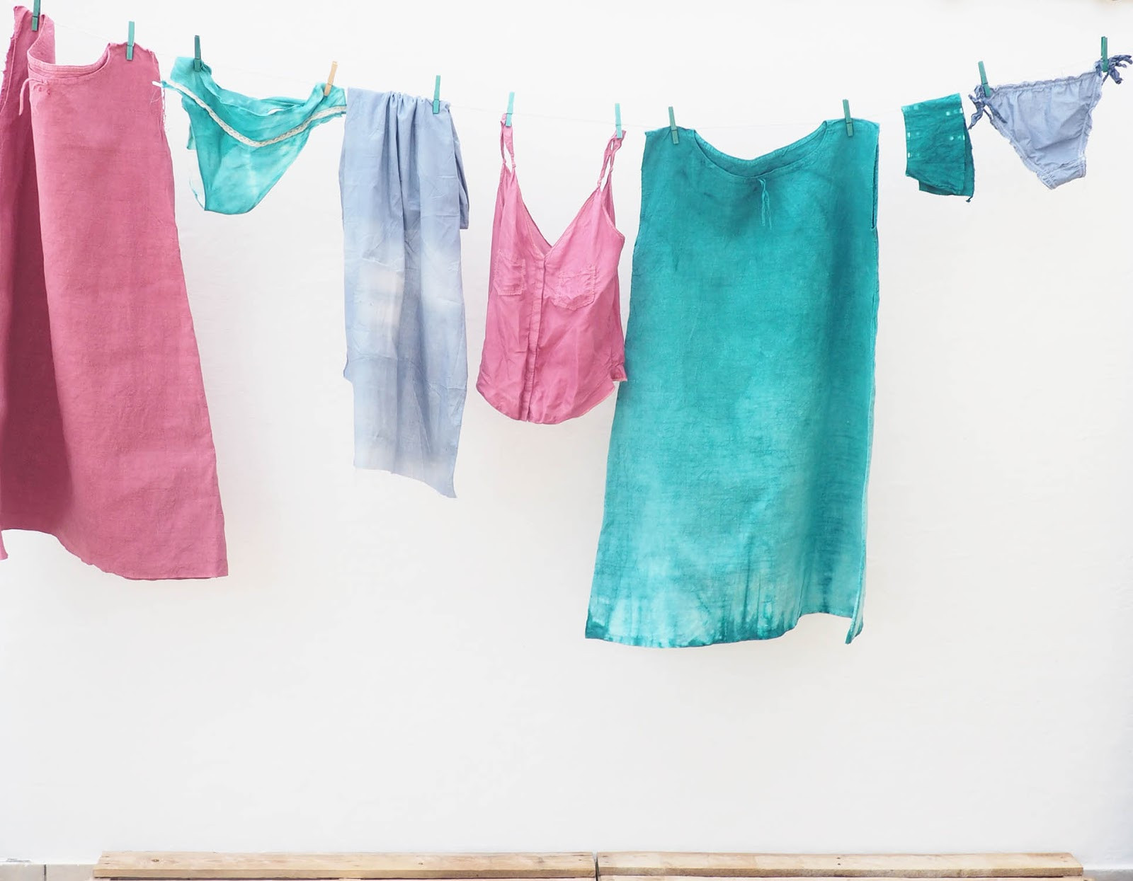 summer dyes comptoir des teintures salom bor ale. Black Bedroom Furniture Sets. Home Design Ideas