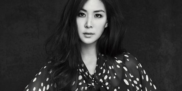 """Ko So-Young dilaporkan telah memutuskan untuk membintangi drama """"Perfect Wife"""" (2017) sebagai pemain utama wanita, Sim Jae-Bok."""