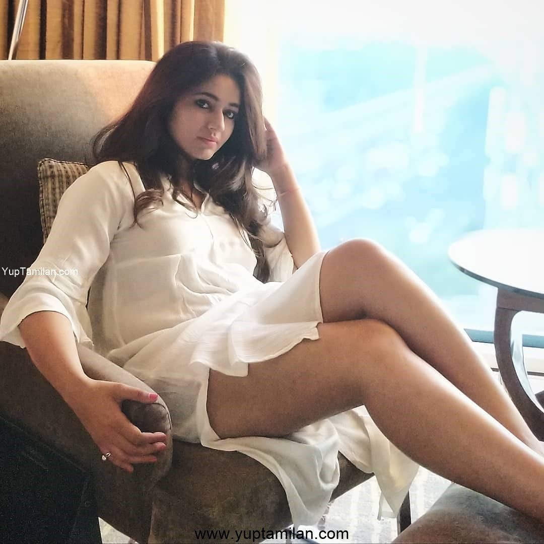 Poonam Bajwa sexy Swimsuit Photos showing Thigh Show