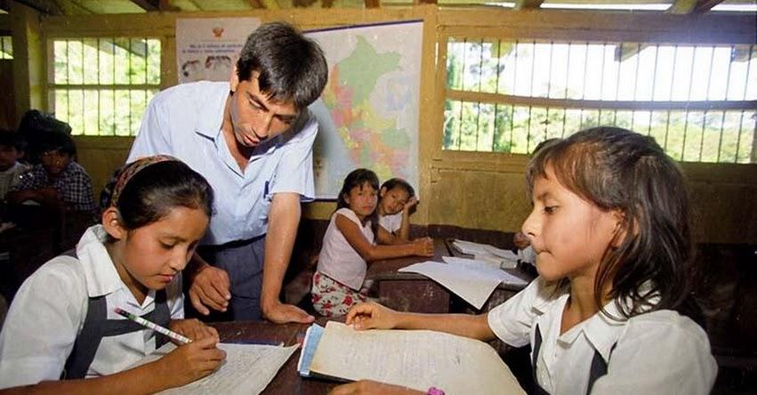 Solo el MINEDU puede prohibir tareas escolares, las regiones no, informó la Defensoría del Pueblo