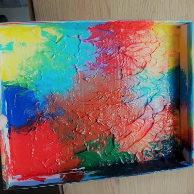 atelier creatif creation bebe tout petit 2 ans peinture tableau cadeau