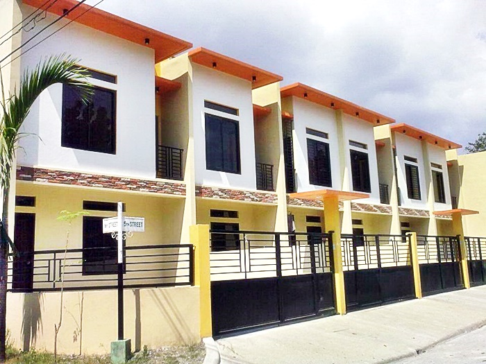 Philippine properties for sale townhomes for sale in las for Houses for sale under 20000 near me