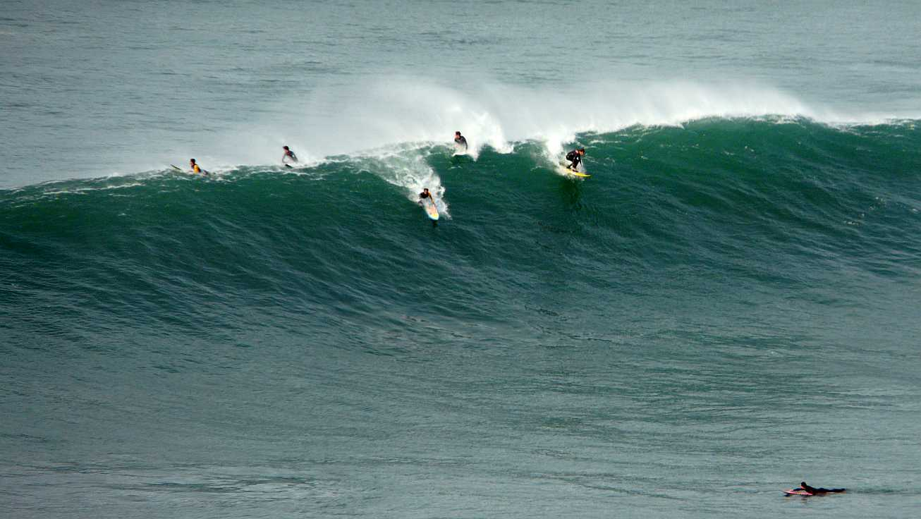 surf menakoz diciembre 2015 olas grandes 20