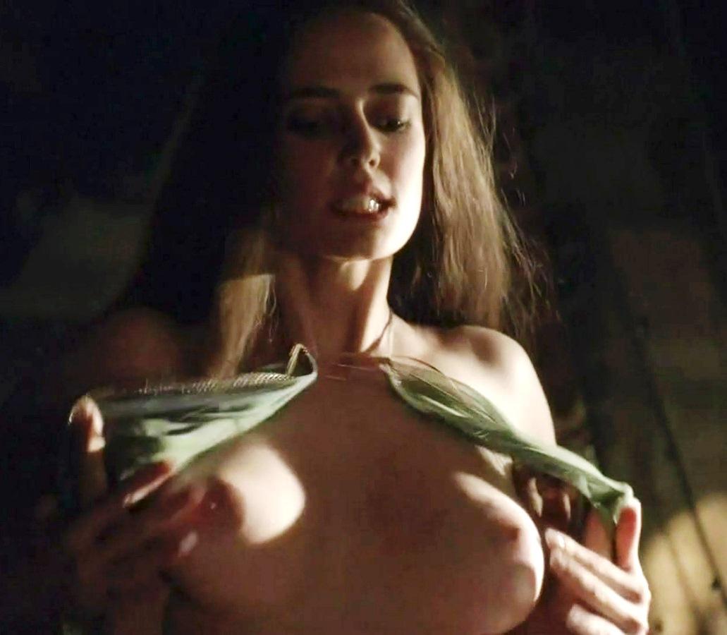 aarti boobs