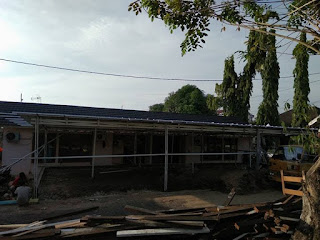 Bangun atap baja ringan di Perumahan PLN Palembang