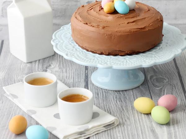 Torta di Pasqua al cioccolato con ovetti