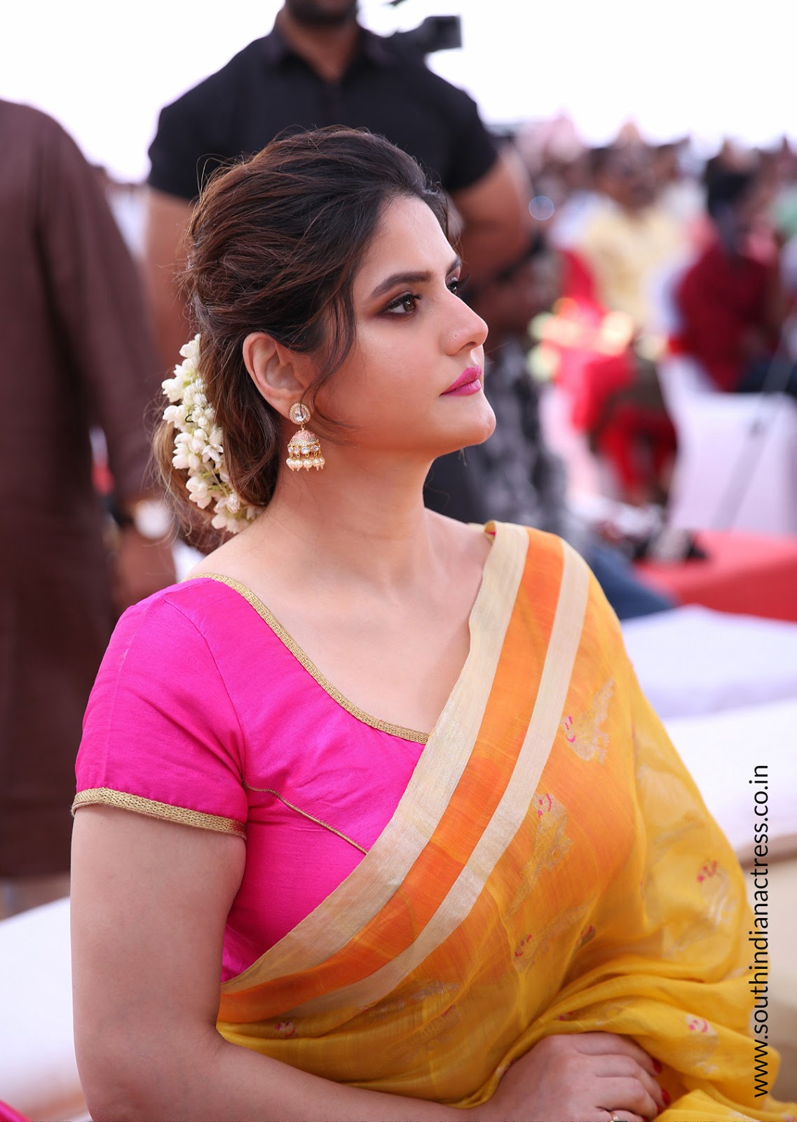 Zarine Khan At Suchirindias Aryavartha Nagari Project -9888