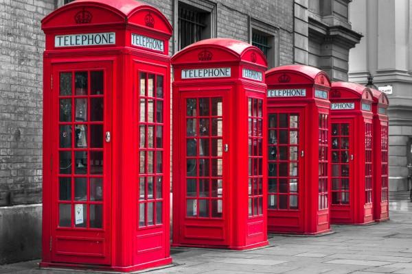 6 Negara Ini Punya Desain Telepon Umum yang Bikin Gagal Paham