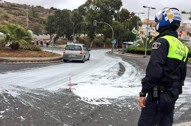 Derrame de pintura en Hoya Andrea, Las Palmas de Gran Canaria