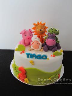Bolo com animais para o aniversário do Tiago