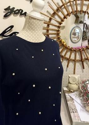 Jersey azul marino con perlitas