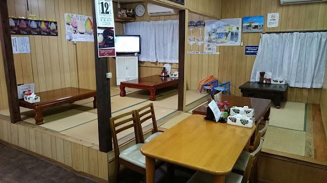 ひがし食堂の店内の写真