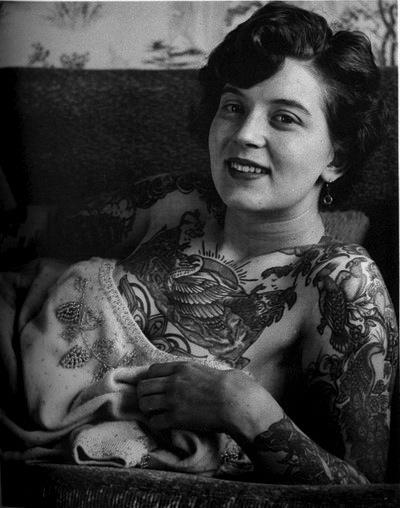 Pin Up Spirit: Vintage Tattoo Girl