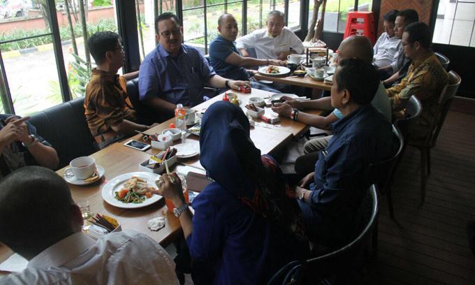 IYL-Cakka Nongkrong Bareng Pentolan Parpol Pendukung