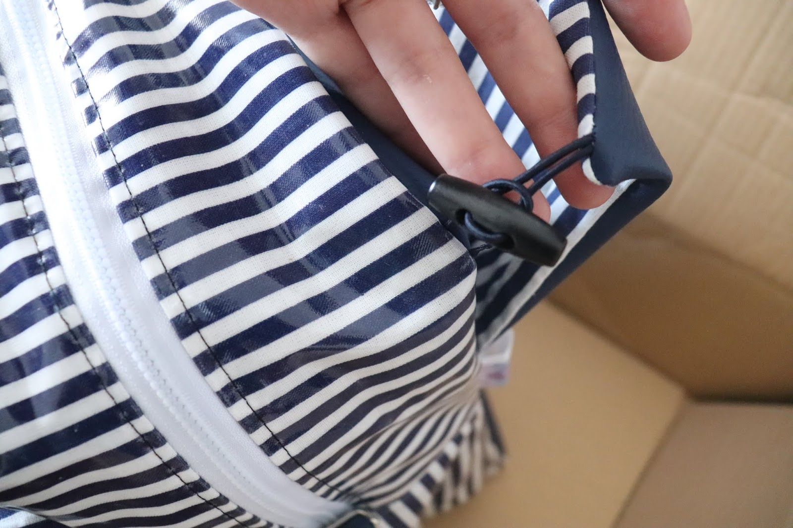 Unboxing - Trois Coutures