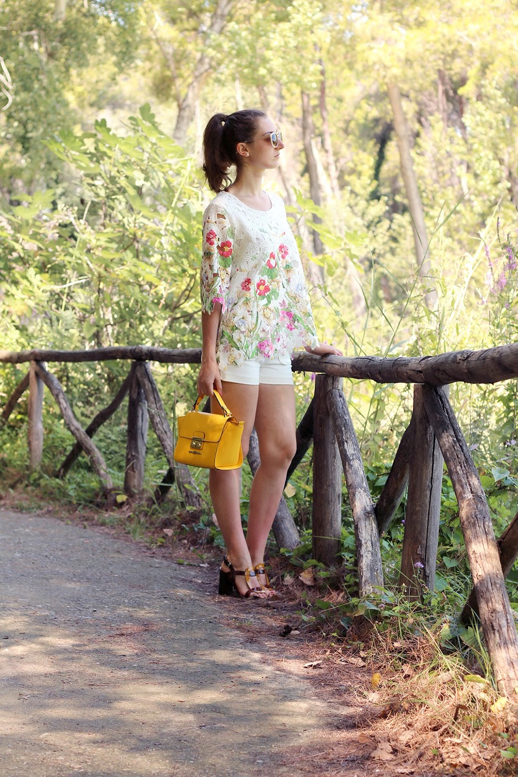 fashion style blogger outfit ootd italian girl italy trend vogue glamour pescara pablo baldini bag chic wish top flowers stradivarius shorts bianca di heels shoes bijou brigitte sunglasses