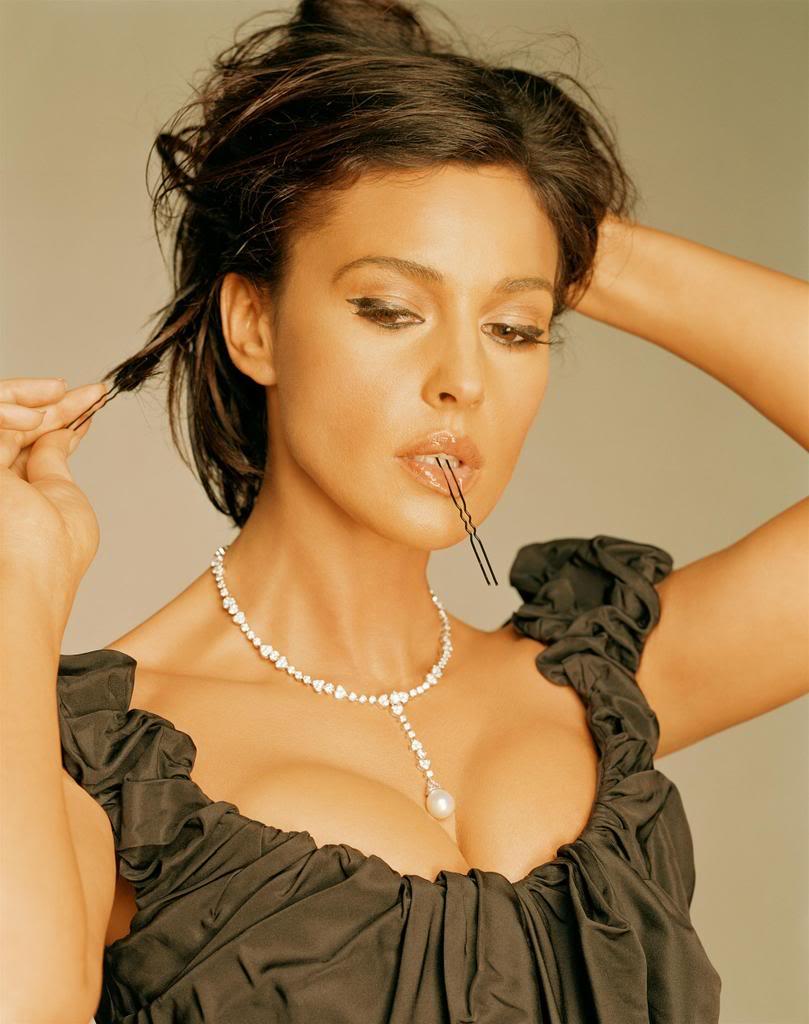 Maria Bellucci nude 199