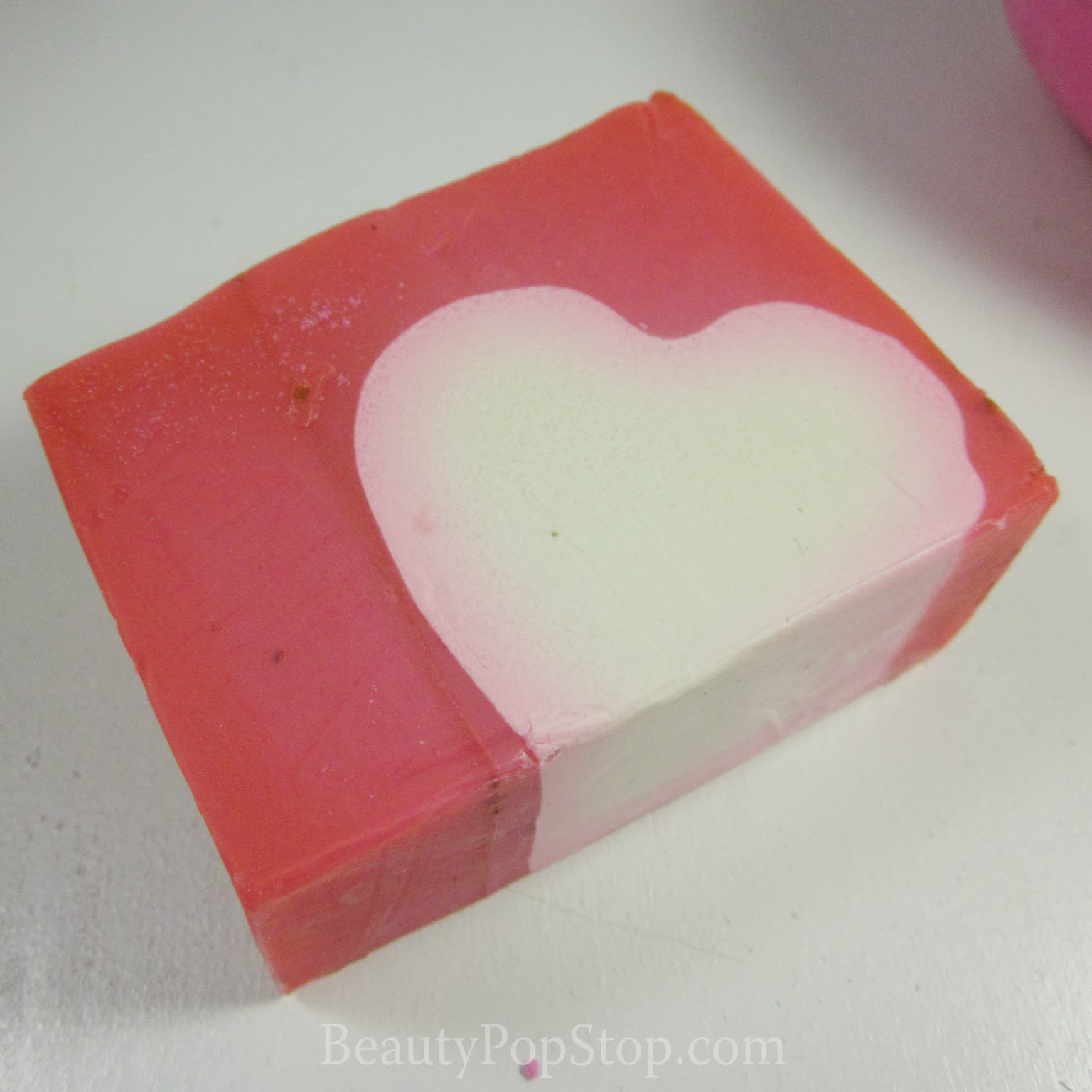lush neon love soap review