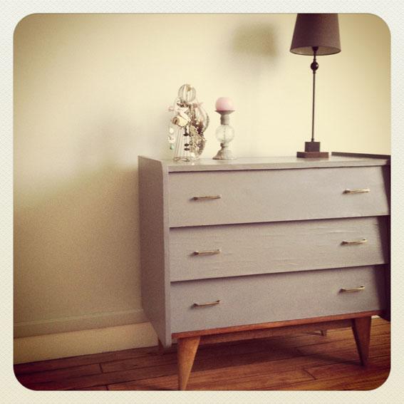 commode vintage pieds compas ann es 50 vendue au grenier chic. Black Bedroom Furniture Sets. Home Design Ideas