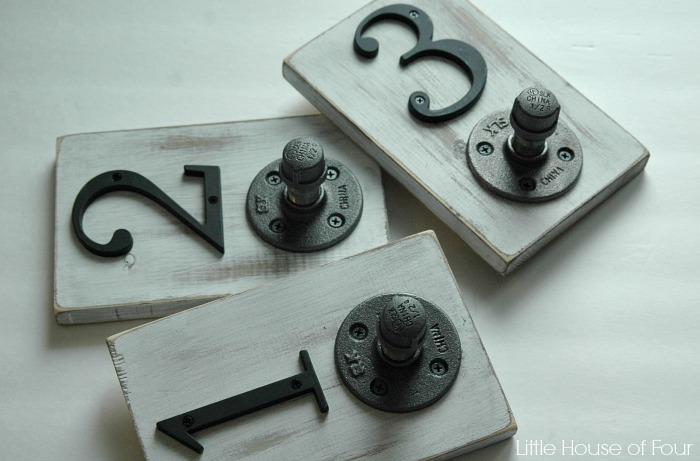numbered steel pipe hooks