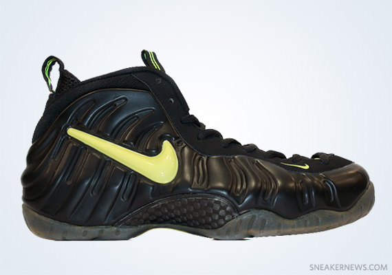 """3d95a0ad73ffc ... Customs by Sole Swap  Nike Air Foamposite Pro Classics Revisited Nike  Air Foamposite Pro """"Voltage"""" Black ."""