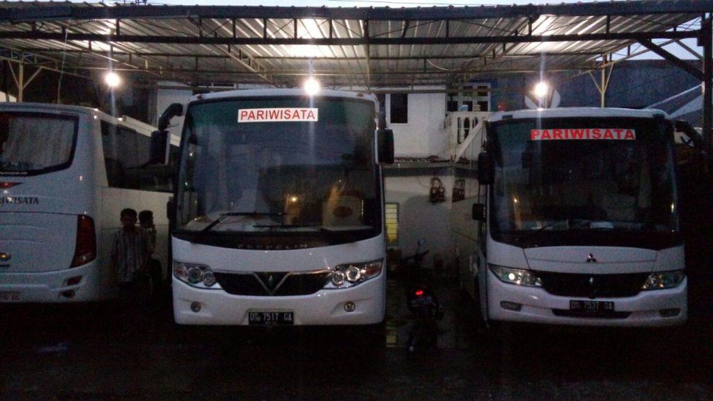 Rental Mobil Bus Pariwisata di Makassar