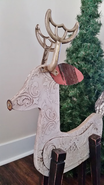 wood recycled reindeer