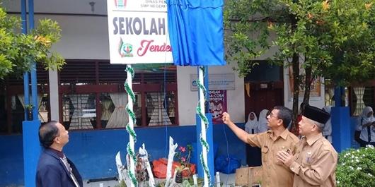 SMP Negeri 18 Padang Menjadi Sekolah Literasi