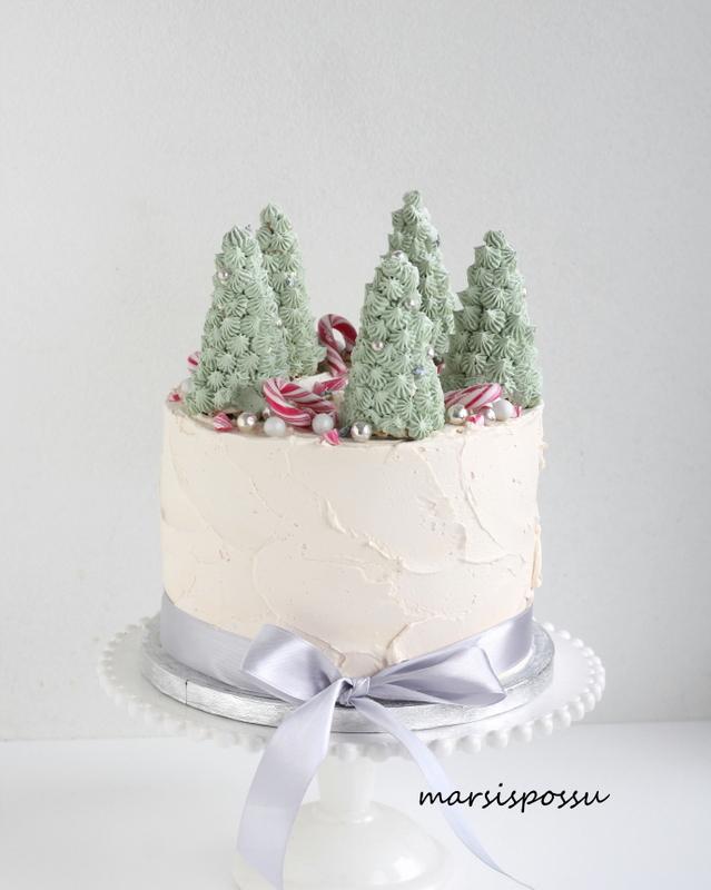 jouluisia kakkuja