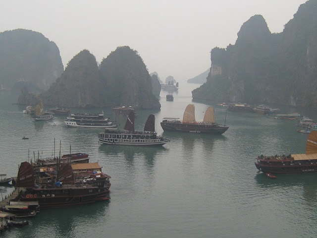 Travel to Halong Bay in winter 3