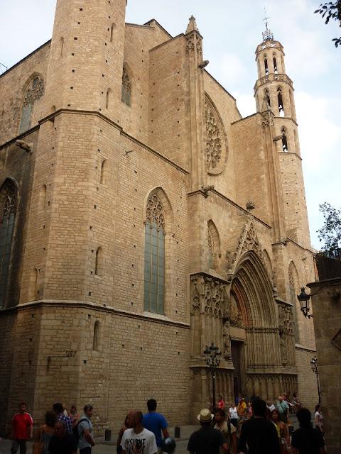 itinerario per il centro di Barcellona, santa maria del mar