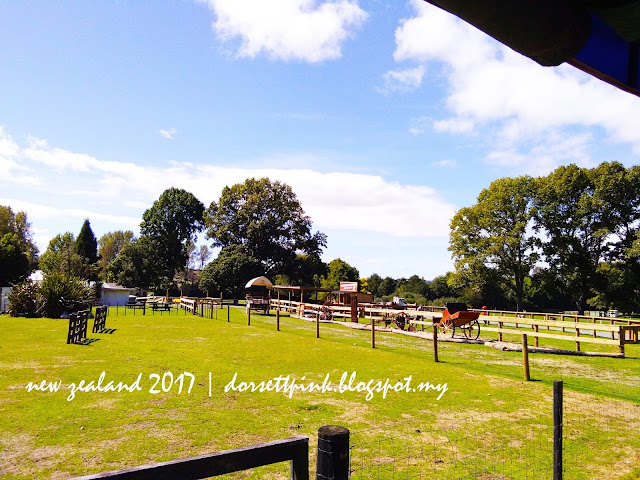 http://dorsettpink.blogspot.com/2017/04/travelog-new-zealand-2017-agrodome.html