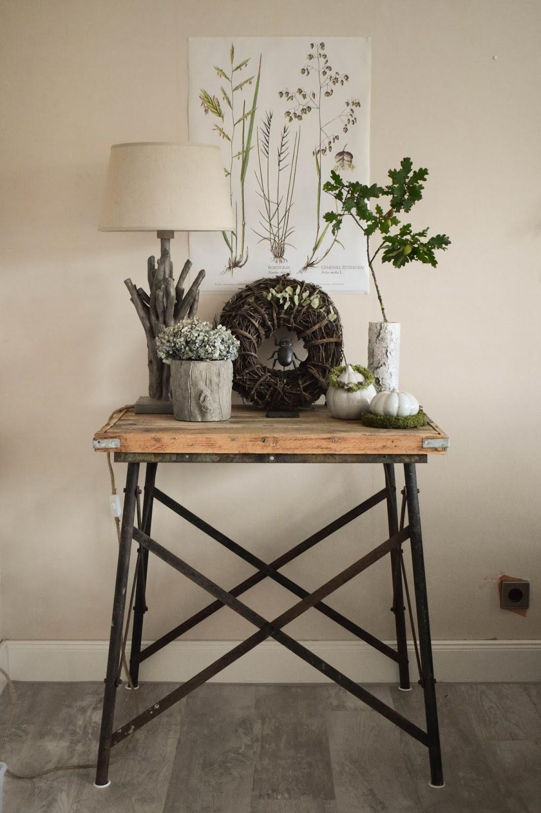Deko Herbst für Konsole und Sideboard mit Eicheln. Herbstdeko Dekoidee Wohnzimmer Dekoration eiche eicheln botanisch natuerlich dekorieren 8