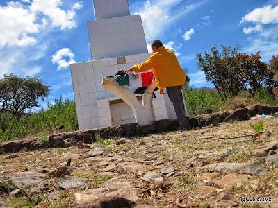 Al pié de la Cruz, Cerro Viejo Ejido de San Miguel Cuyutlán