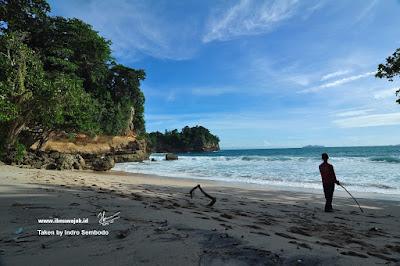 Pantai Pamulang Silangkap