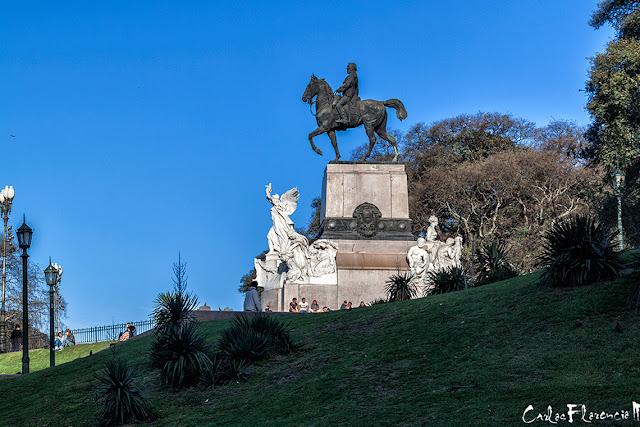 El monumento en Plaza Mitre ,Recoleta ,Argentina.