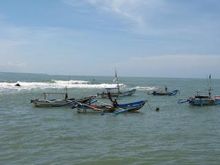 Pantai Jayanti Onbak lagi tenang