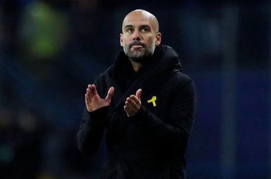 Man City thua trận đầu tiên, Pep mừng ra mặt