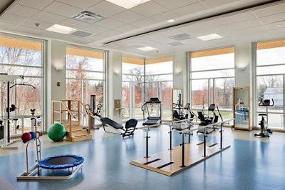desain ruangan latihan yang lebar