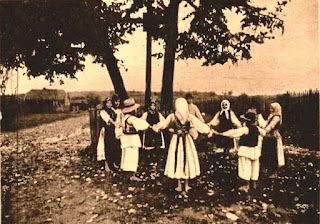 Satul românesc interbelic