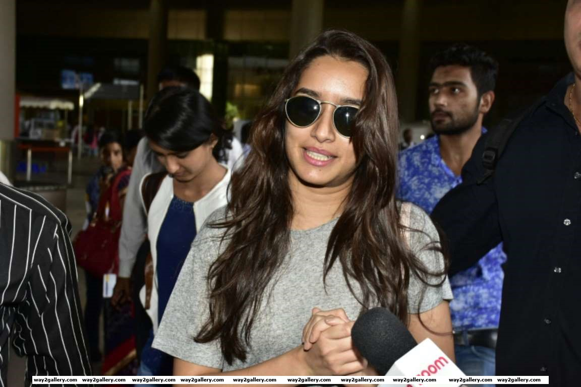 We spotted Shraddha Kapoor at her casual best coming out of the Mumbai airport