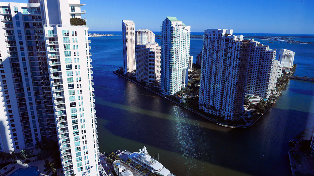 Euriental | fashion & luxury travel | weekend in Miami, Marriott Marquis hotel view