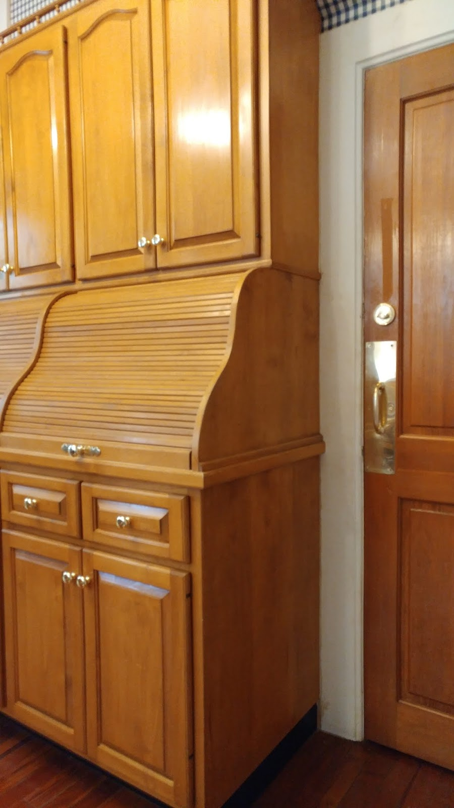 Interiors Unleashed How To Repair A Doorknob Oldhouse Online Our Current Old House Rehab Was Racking Up Expenses So I Decided Keep The Kitchen As Is Until Refrigerator And Or Freezer Give Ghost Maybe