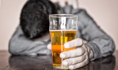 7 Signs You Are Drinking Too Much of Alcohol