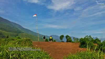 Gunung di Jawa Timur yang Cocok Untuk Pendaki dengan Jadwal Padat