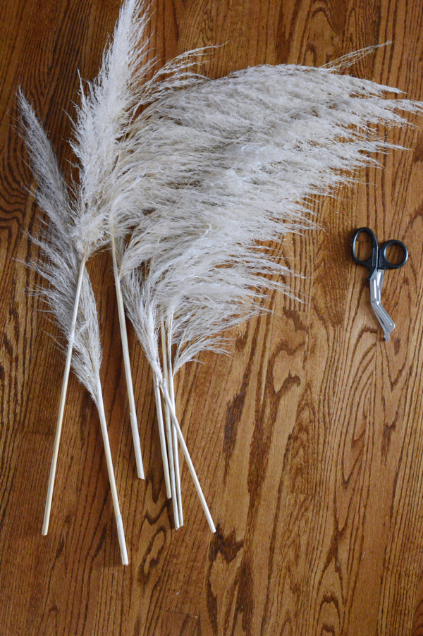 Add Color to Your Side Table for Spring With Painted Pampas Grass-designaddictmom