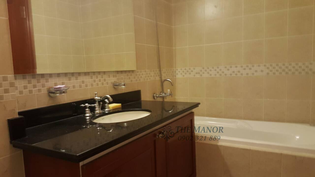 bán gấp hoặc cho thuê căn hộ The Manor 136m2 - phòng tắm có bồn tắm nằm