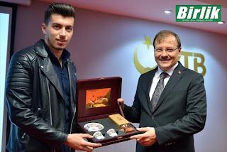 """Και ο Χακάν Τσαβούσογλου """"δεν ξεχνά τους τούρκους της Δυτικής Θράκης"""""""