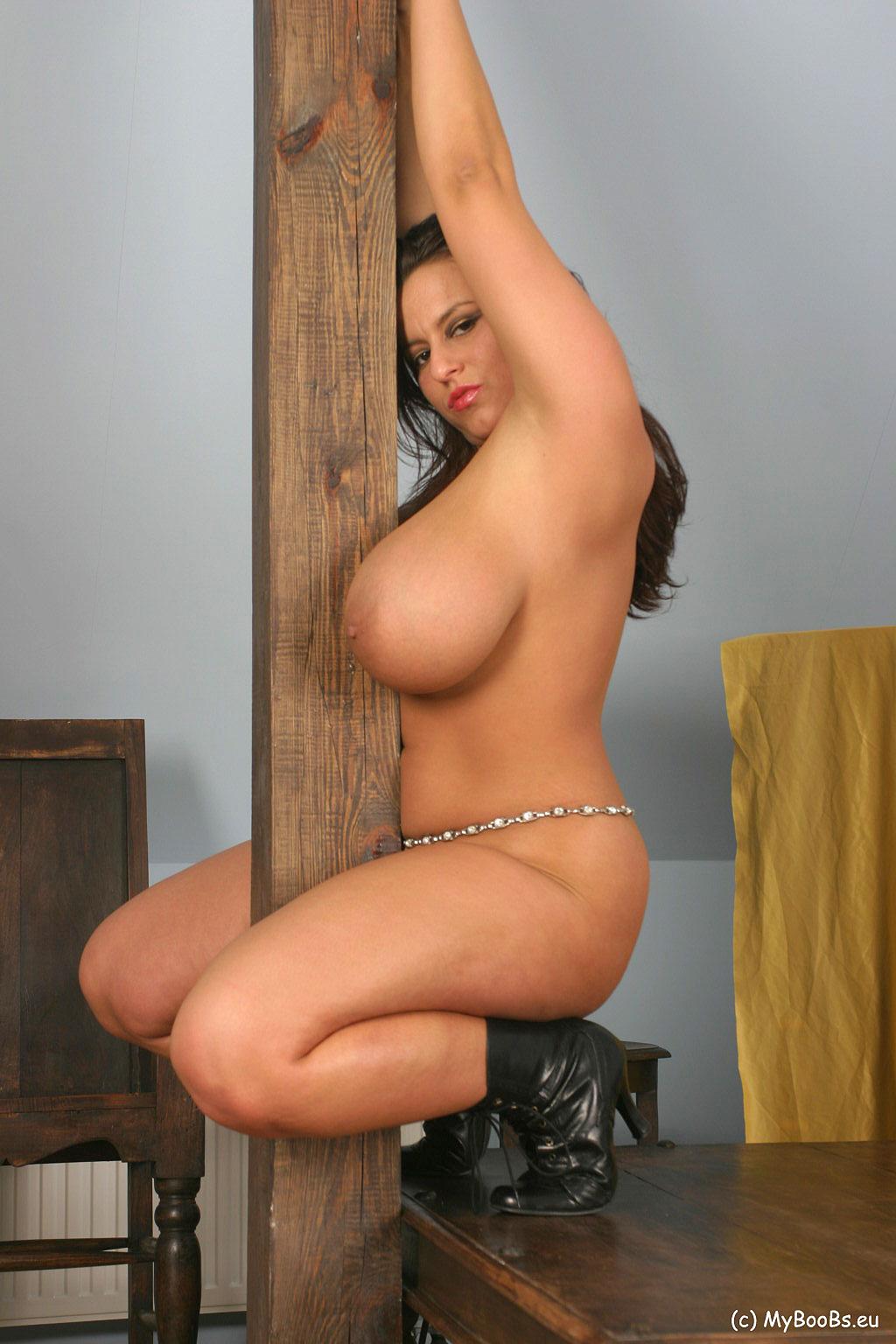 aneta buena nude